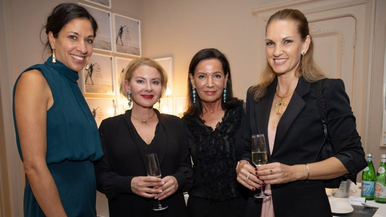 Partyaufnahme: asmin Witt, Stefanie Volkmer-Otte, Cornelia von Wülfing, Rachel Haus