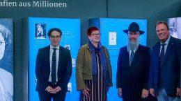 Gruppenfoto im Museum Hamburg Ballinstadt