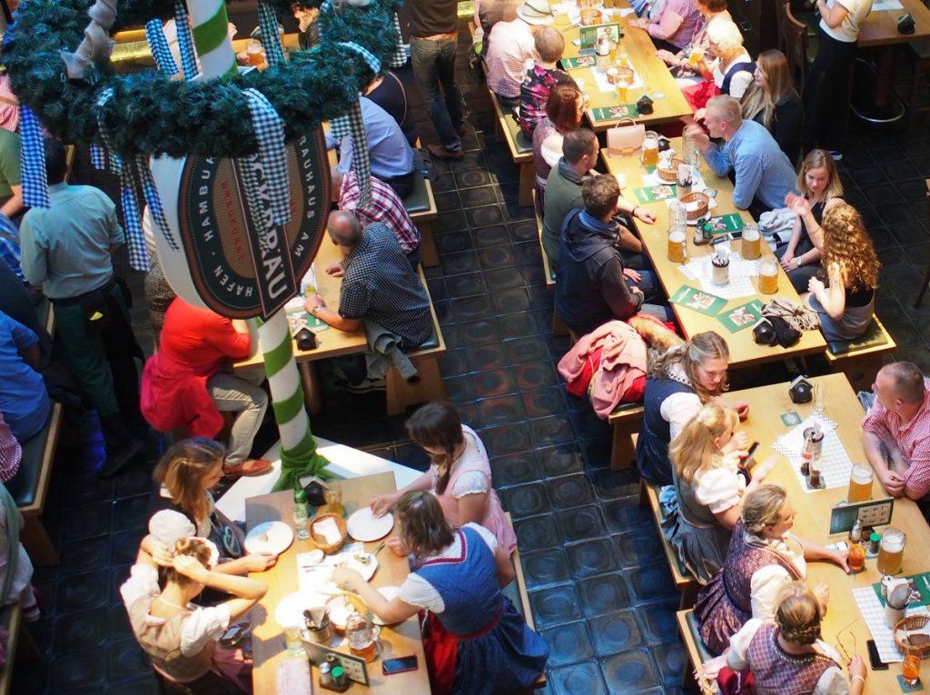 Blick ins Blockbräu eine Gasthaus Brauerei in Hamburg