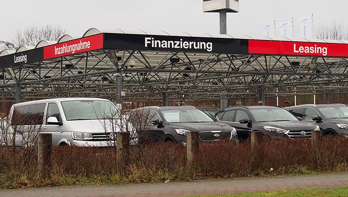 Betriebsgelände eines Gebrauchtwagenhändler