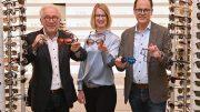 OPTIKHAUS in der Spitalerstraße Gruppenfoto mit Brille