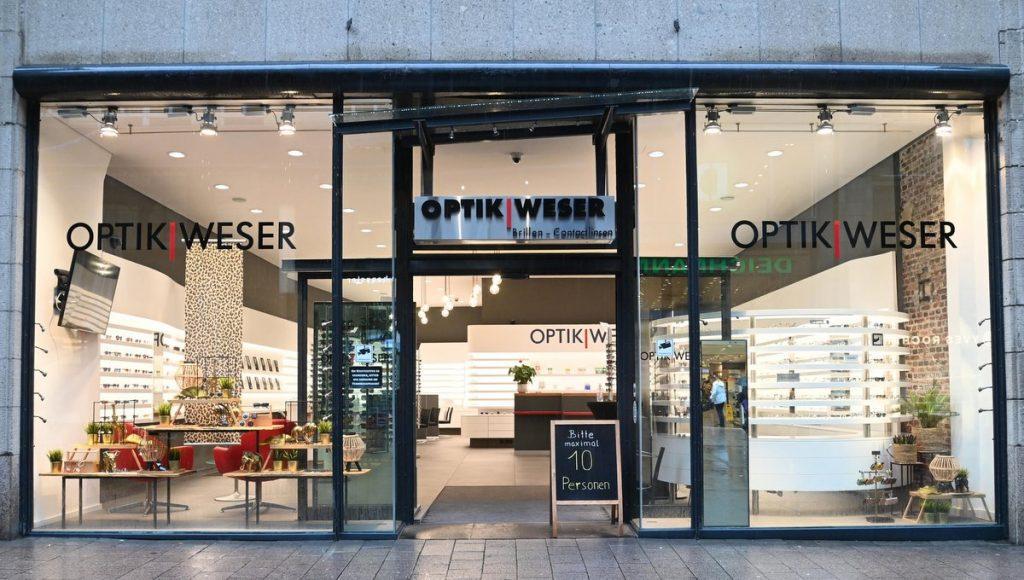 Das Geschäft von Optiker Weser wird ein OPTIKHAUS -Straßenansicht