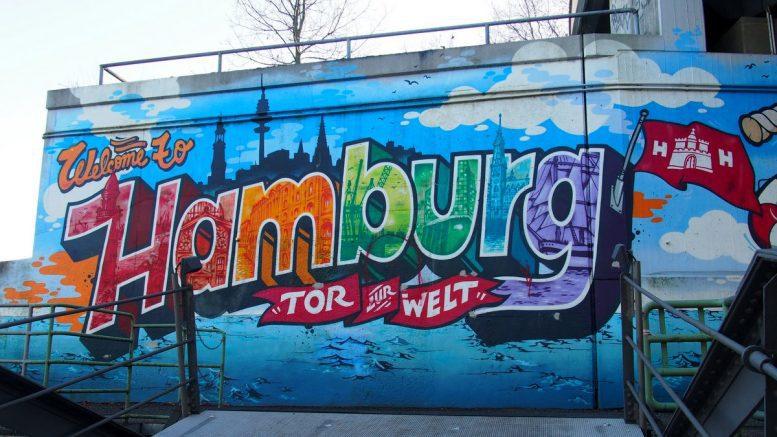 Streetart im Hamburger Hafen Motiv Tor zur Welt